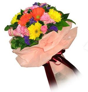 Mersin yurtiçi ve yurtdışı çiçek siparişi  Karisik mevsim çiçeklerinden demet
