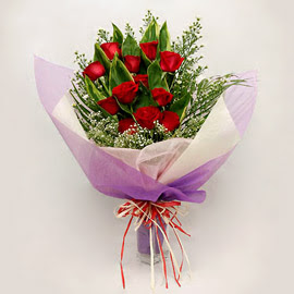çiçekçi dükkanindan 11 adet gül buket  Mersin yurtiçi ve yurtdışı çiçek siparişi