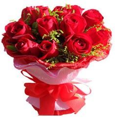 9 adet kirmizi güllerden kipkirmizi buket  Mersin İnternetten çiçek siparişi