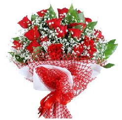 11 kırmızı gülden buket  Mersin ucuz çiçek gönder