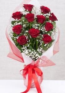 11 kırmızı gülden buket çiçeği  Mersin ucuz çiçek gönder