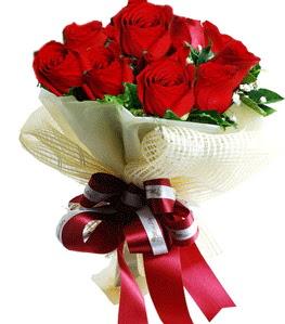 9 adet kırmızı gülden buket tanzimi  Mersin 14 şubat sevgililer günü çiçek