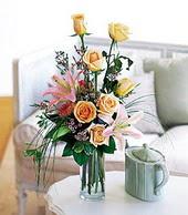 Mersin çiçek mağazası , çiçekçi adresleri  cam yada mika vazo içerisinde gül kazablanka
