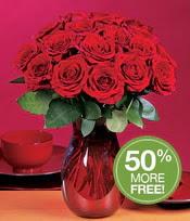 Mersin 14 şubat sevgililer günü çiçek  10 adet Vazoda Gül çiçek ideal seçim