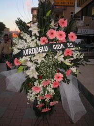 kazablanka,gerbera,sebboy ferforje  Mersin yurtiçi ve yurtdışı çiçek siparişi