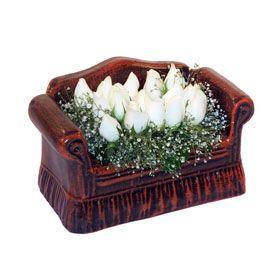 seramik içerisinde 11 gül  Mersin güvenli kaliteli hızlı çiçek