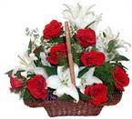 sepette gül ve kazablankalar   Mersin yurtiçi ve yurtdışı çiçek siparişi