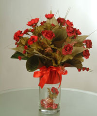 yapay güllerden vazo  9 gül  Mersin çiçek , çiçekçi , çiçekçilik