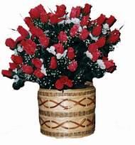 yapay kirmizi güller sepeti   Mersin internetten çiçek siparişi