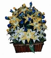 yapay karisik çiçek sepeti   Mersin hediye sevgilime hediye çiçek