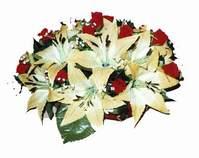 yapay karisik çiçek sepeti   Mersin çiçek gönderme sitemiz güvenlidir