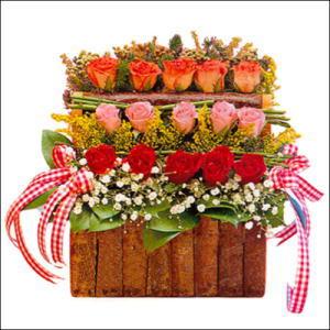 sandikta 3 kat güllerden   Mersin çiçek satışı