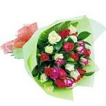 12 adet renkli gül buketi   Mersin 14 şubat sevgililer günü çiçek