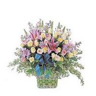 sepette kazablanka ve güller   Mersin hediye sevgilime hediye çiçek