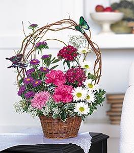 Mersin çiçek satışı  sepet içerisinde karanfil gerbera ve kir çiçekleri