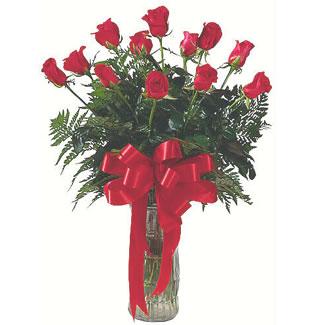 12 adet gül cam içerisinde  Mersin çiçek satışı