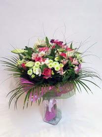 Mersin güvenli kaliteli hızlı çiçek  karisik mevsim buketi mevsime göre hazirlanir.