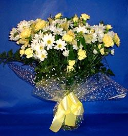Mersin güvenli kaliteli hızlı çiçek  sade mevsim demeti buketi sade ve özel