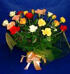 Mersin güvenli kaliteli hızlı çiçek  13 adet karisik renkli güller