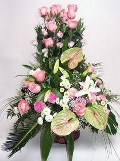 Mersin kaliteli taze ve ucuz çiçekler  özel üstü süper aranjman