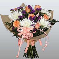 güller ve kir çiçekleri demeti   Mersin İnternetten çiçek siparişi