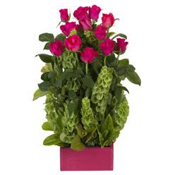 12 adet kirmizi gül aranjmani  Mersin çiçekçiler