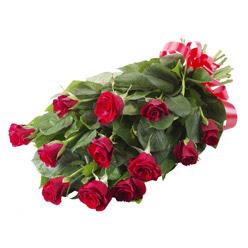 11 adet kirmizi gül buketi  Mersin online çiçek gönderme sipariş