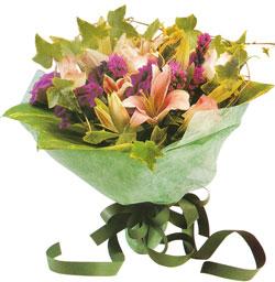 karisik mevsim buketi anneler günü ve sevilenlere  Mersin yurtiçi ve yurtdışı çiçek siparişi