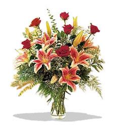 Mersin internetten çiçek satışı  Pembe Lilyum ve Gül