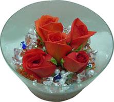 Mersin ucuz çiçek gönder  5 adet gül ve cam tanzimde çiçekler