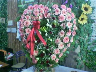 Mersin hediye sevgilime hediye çiçek  SEVDIKLERINIZE ÖZEL KALP PANO