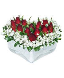 Mersin çiçek gönderme sitemiz güvenlidir  mika kalp içerisinde 9 adet kirmizi gül