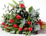 Mersin çiçek servisi , çiçekçi adresleri  11 adet kirmizi gül buketi özel günler için