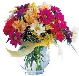 Mersin çiçek yolla , çiçek gönder , çiçekçi   cam yada mika içerisinde karisik mevsim çiçekleri