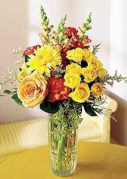 Mersin ucuz çiçek gönder  mika yada cam içerisinde karisik mevsim çiçekleri