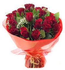 Mersin hediye çiçek yolla  11 adet kimizi gülün ihtisami buket modeli
