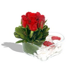 Mika kalp içerisinde 9 adet kirmizi gül  Mersin internetten çiçek satışı