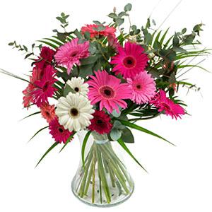 15 adet gerbera ve vazo çiçek tanzimi  Mersin çiçek gönderme