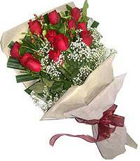 11 adet kirmizi güllerden özel buket  Mersin çiçek gönderme sitemiz güvenlidir