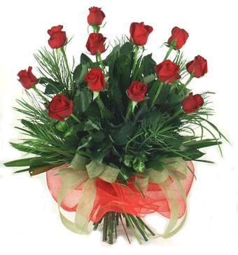 Çiçek yolla 12 adet kirmizi gül buketi  Mersin çiçek siparişi vermek