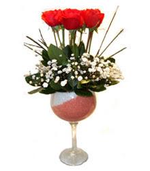 Mersin İnternetten çiçek siparişi  cam kadeh içinde 7 adet kirmizi gül çiçek