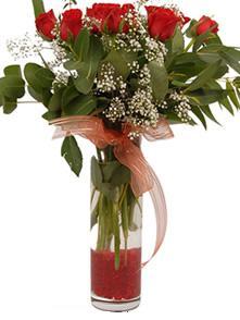 Mersin çiçek , çiçekçi , çiçekçilik  11 adet kirmizi gül vazo çiçegi