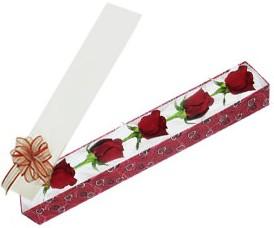 Mersin çiçek yolla , çiçek gönder , çiçekçi   kutu içerisinde 5 adet kirmizi gül