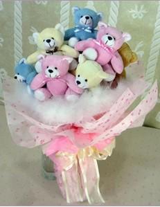 9 adet ayiciktan buket  Mersin internetten çiçek satışı
