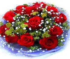 9 adet kirmizi güllerden buket  Mersin çiçek online çiçek siparişi