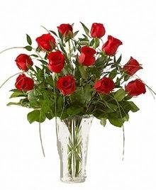cam yada mika vazo içerisinde 9 kirmizi gül  Mersin online çiçekçi , çiçek siparişi