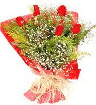 Mersin hediye çiçek yolla  5 adet kirmizi gül buketi demeti