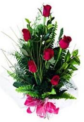 Mersin çiçek siparişi vermek  5 adet kirmizi gül buketi hediye ürünü
