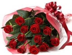 Mersin hediye çiçek yolla  10 adet kipkirmizi güllerden buket tanzimi
