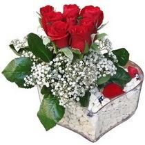 Mersin çiçek siparişi vermek  kalp mika içerisinde 7 adet kirmizi gül